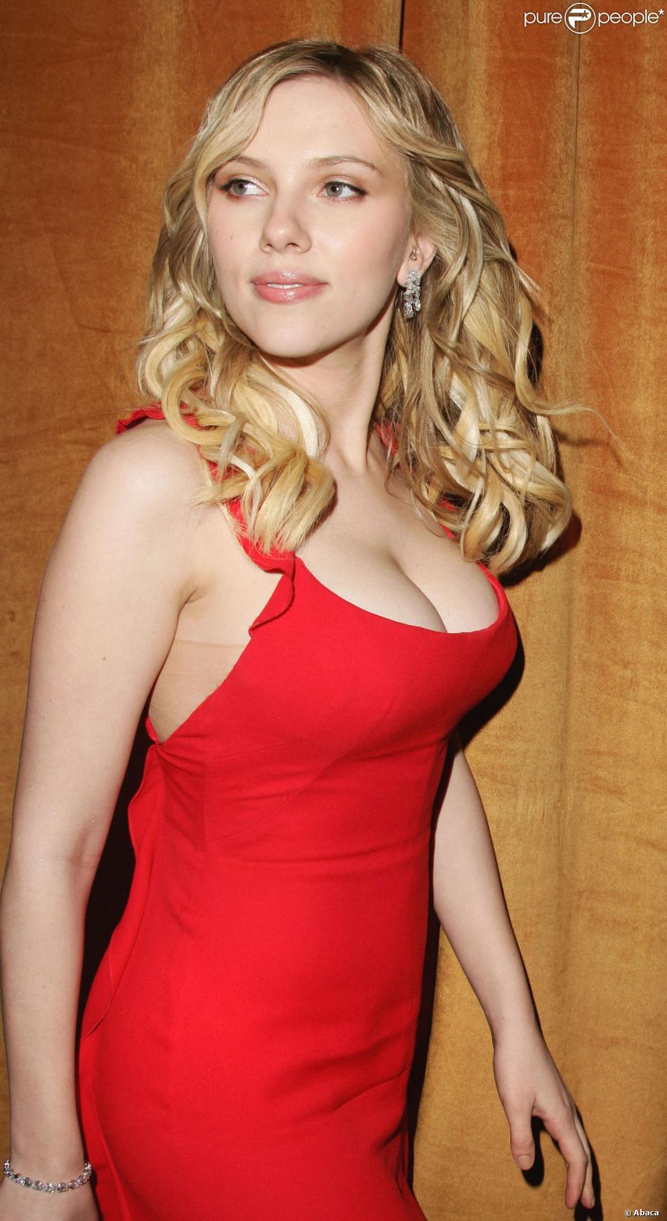 Commit error. scarlett johansson cleavage red dress