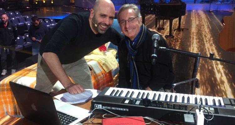 Music, Paolo Bonolis ospita il ritorno di Checco Zalone in televisione
