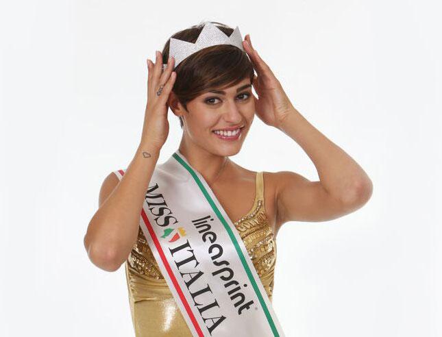 Taglio capelli miss italia 2016