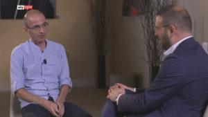 Sky Tg24, l'intervista del direttore a Yuval Noah Harari: La Democrazia non è morta!