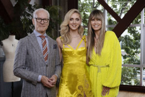 (Da sinistra: Tim Gunn, Chiara Ferragni e Heidi Klum. Photo credit:  Keith Tsuji © Amazon Studios)