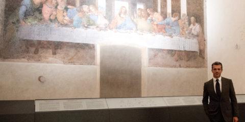 Luca Argentero taglia il nastro del Cenacolo Vinciano