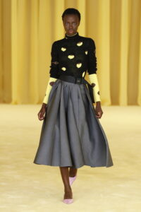 Prada; fashion week; fashion designer; runway; fashion runway; pantone 2021; moda; pantone; colore dell'anno